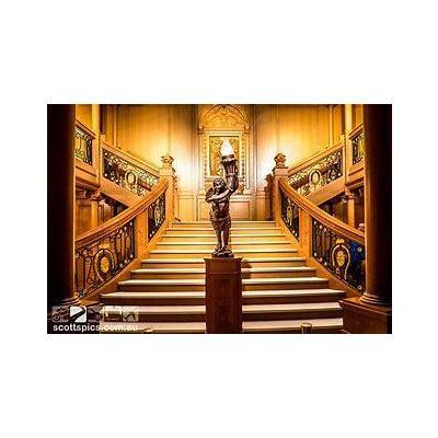 Image titanic lobby