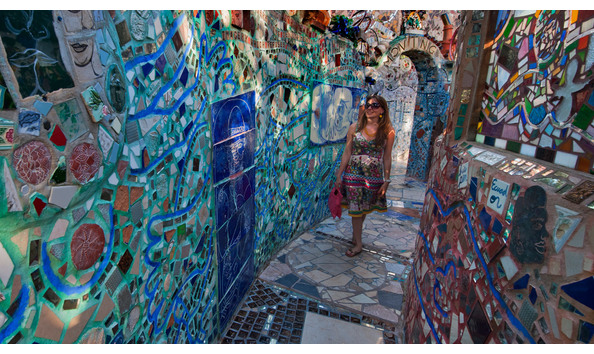Big image philadelphias magic gardens womanwalking r.kennedy vp 2200x1237