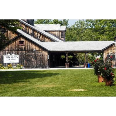 2 Tickets to any performance in the 2019 season at Jacob's Pillow