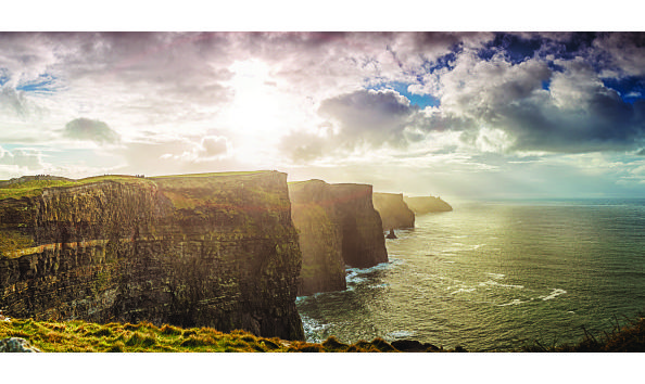 Big image cliffs of moher adventure canada istock 471834841  opt