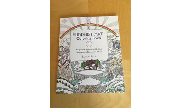 Buddhist Art Colouring Books: Auspicious symbols and mythical motifs