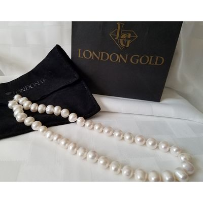 Pearl Necklace from London Gold