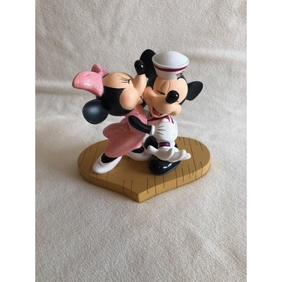 Image dcl mickey minnie heart 01