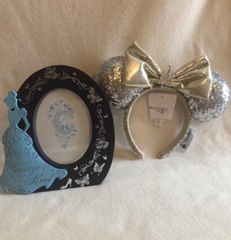 Cinderella frame n ears 01