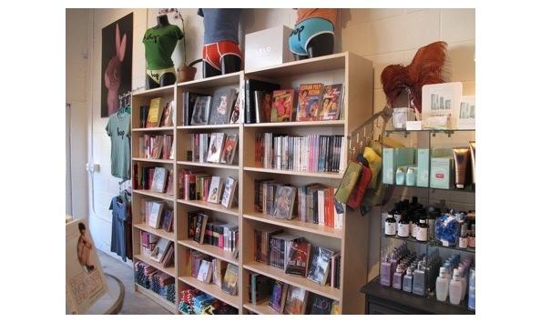 Big image bookshelf